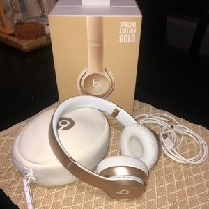 Other - ❌SOLD❌Beats Solo 2 Wireless Special Edition Gold